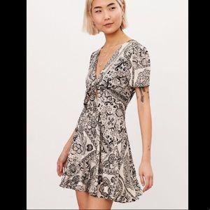 Kimchi Blue Black White Tie Front Fit+Flare Dress